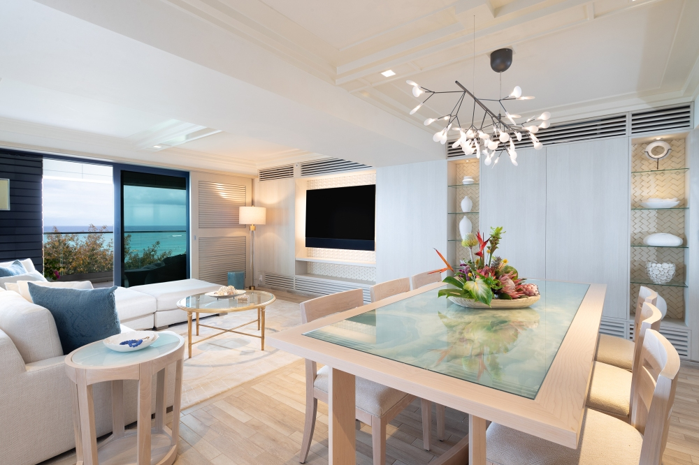 ESPACIO-THE-JEWEL-OF-WAIKIKI-Penthouse-Suite-Living-Room-3000X2000 (2)